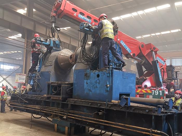 大型自动焊设备搬运